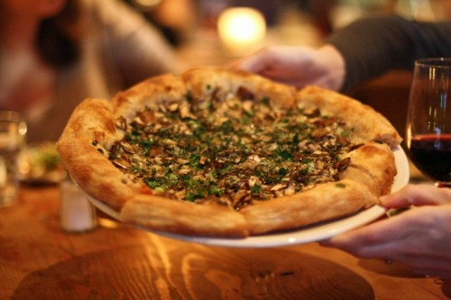 Stella Barra's Mushroom Pizza. All photos by Bun Boy Eats LA